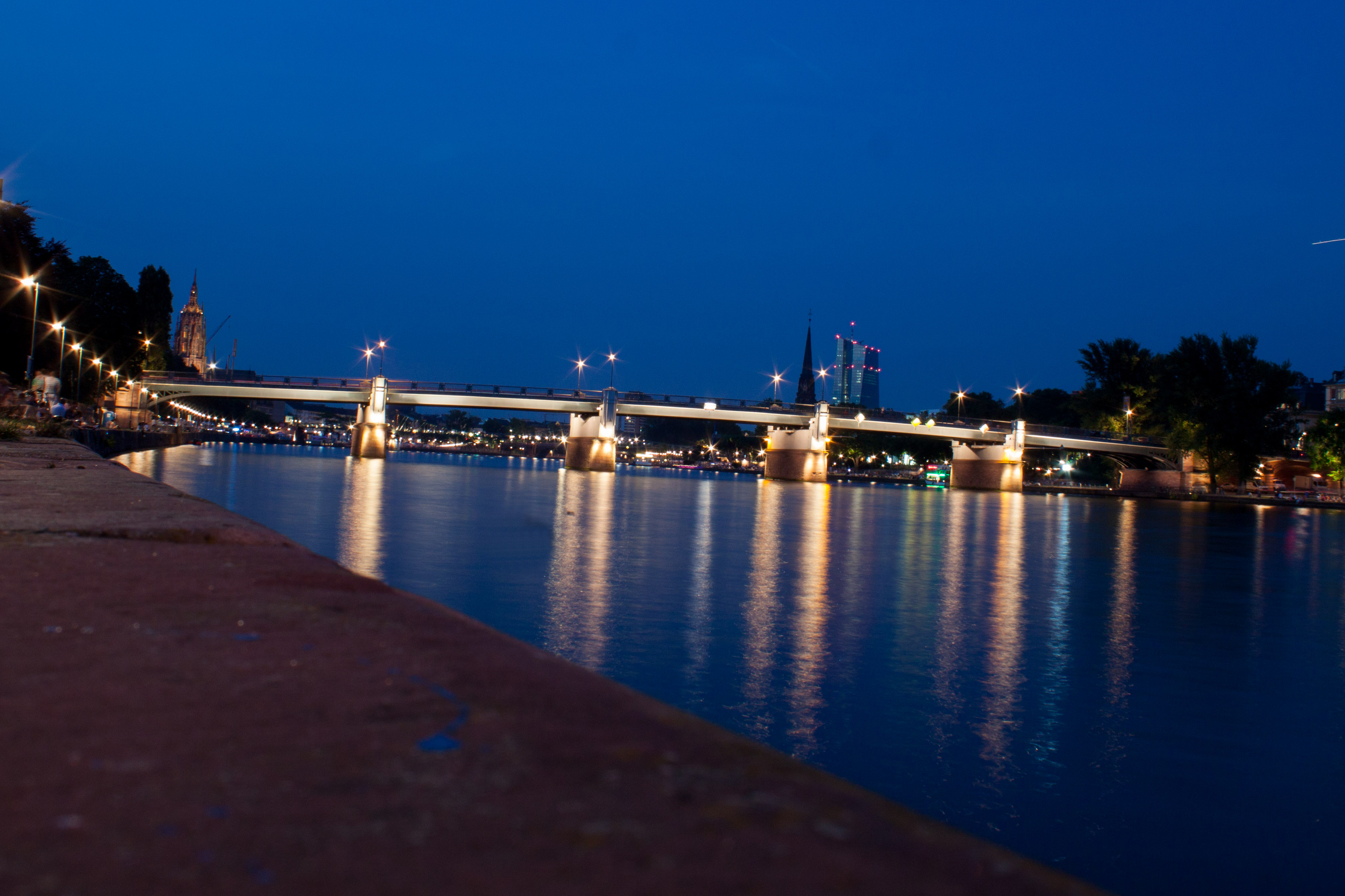 IMG_1995_c.jpg -  Main river  at  Frankfurt